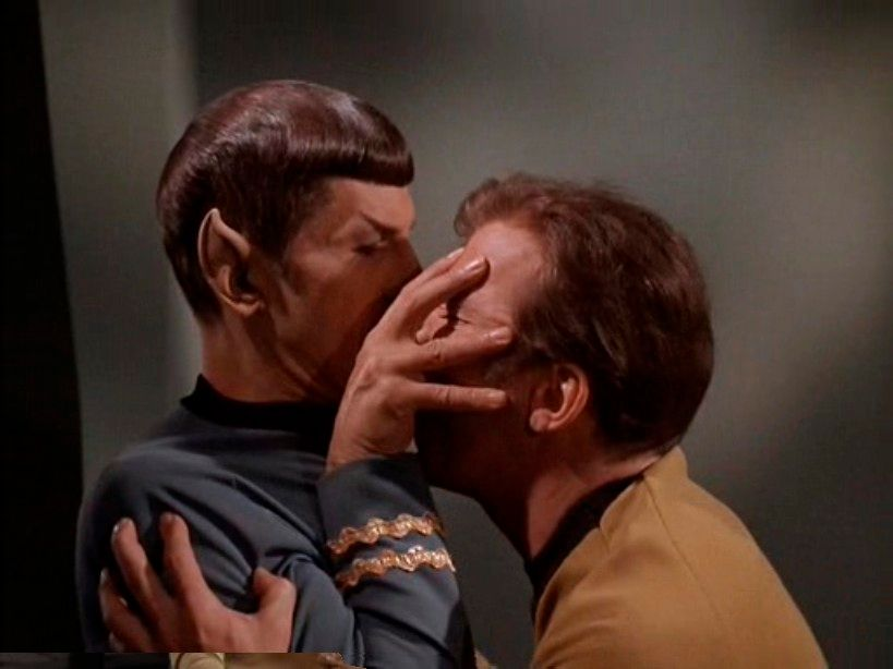 hare-kirk-spock-threesomes-milf-gives